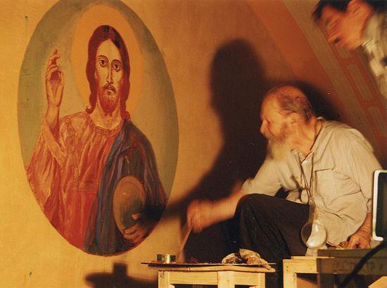Протоиерей Герасим Иванов расписывает храм Христа Спасителя