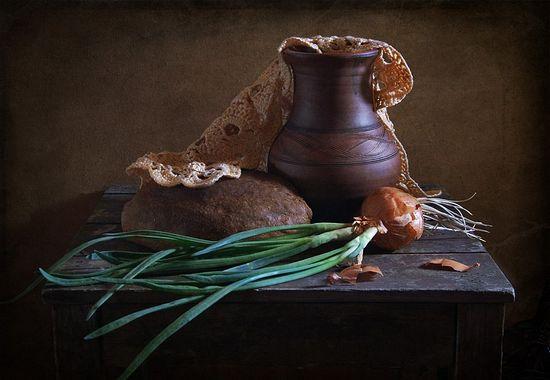 Квас, хлеб, лук... Фото: Людмила Дубровина.